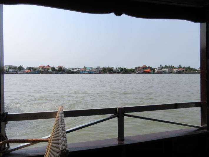 遊覧船からの風景