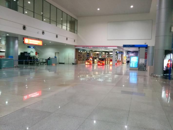 タンソンニャット国際空港 ロビー