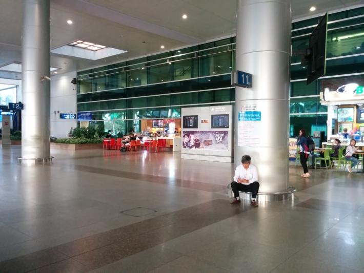タンソンニャット国際空港 屋外