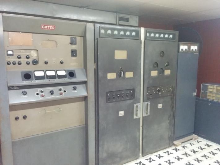 統一会堂 地下・通信室①