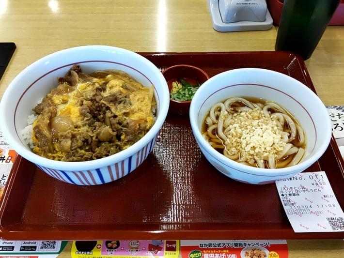 なか卯 宮の森東店 牛とじ丼(大)・冷やしはいからうどん(小)セット